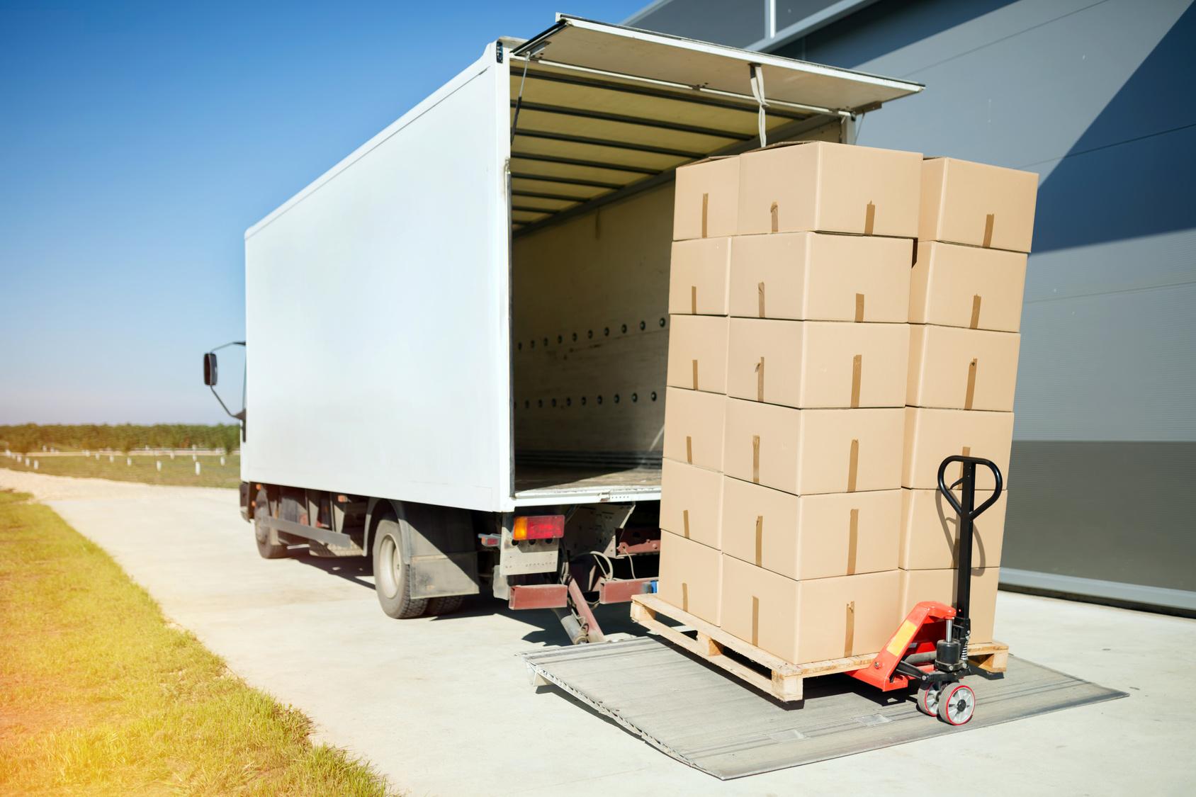 Rolle von Antirutschmatten im Transport - M&W Spedition